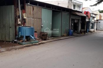Cho thuê xưởng đường Hương Lộ 2, DT 8x30m giá thuê 10tr/tháng. LH: 0907 067 056 A Trí