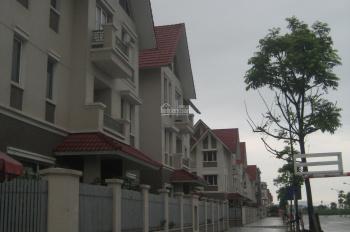 Cần cho thuê căn biệt thự khu đô thị An Hưng, vị trí rất đẹp, mặt đường 30m. Làm công ty, cafe