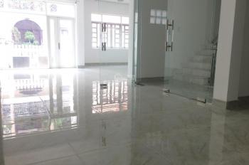 Nhà phố mới xây sạch đẹp thích hợp làm văn phòng công ty hoặc ở