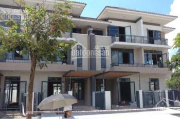 Cho thuê biệt thự Lavila Nhà Bè, 4 PN, 4 WC, full NT cao cấp new 100% giá 25tr/th, LH: 0909.904.066