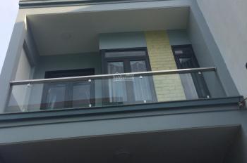 Bán nhà hai lầu, 1 trệt, hẻm đường Hai Bà Trưng, TX Dĩ An, Bình Dương. Giá 3.4 tỷ, LH: 0925515369
