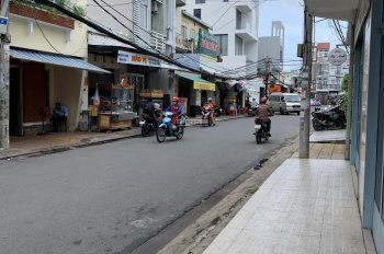 Cho thuê nhà ở 1 lầu hẻm nhánh đường Trần Bình Trọng, cách mặt tiền Lý Tự Trọng 10m, giá thuê 4.2tr