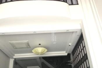 Cho thuê nhà mặt phố Hòa Mã, diện tích 100m2 x 6 tầng, mặt tiền 5m, vị trí đắc địa