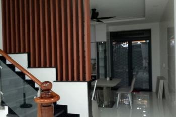 Cho thuê nhà phố khu Him Lam Phú Đông 2 lầu 1 trệt, rất tiện mở văn phòng. LH: Cô Loan 0903158363