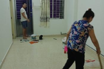 Cho thuê nguyên căn chung cư Nguyễn Biểu, Quận 5, giá: 8 triệu/tháng. LH: Chú Lâm 0983277550