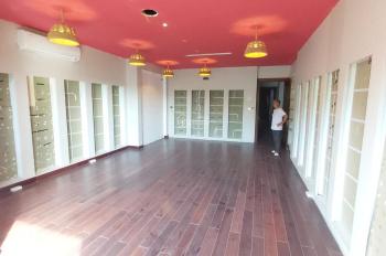 Tôi cần cho thuê nhà MP 131 Nguyễn Phong Sắc 300m2 x 3T, MT 12m phù hợp KD spa, shop, đào tạo, VPCT