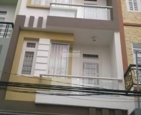 Cho thuê nhà nguyên căn 205/46 CMT8, P4, Q3. Hẻm thông - rộng 3 mét 3 lầu, 4 phòng ngủ, 3 WC