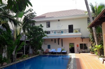 Cho thuê resort 3* khu phố Tây - MT Nguyễn Đình Chiểu, Hàm Tiến, Phan Thiết. Đang KD 20 phòng