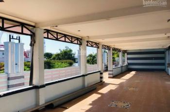 Cho thuê mặt bằng có sẵn nhà tiền chế view trực diện sông Cầu Bè, sau lưng bệnh viện mắt Sài Gòn