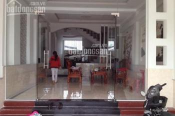 Cho thuê nhà mặt phố Khâm Thiên, DT: 140m2 x 3T, MT: 5m, giá: 50tr/th, LH: 0339529298