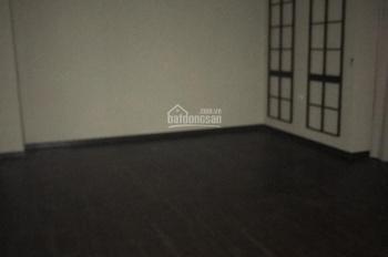 Cần cho thuê nhà mới xây mặt phố Hòa Mã, DT 100m2 x 6T, MT 5m, giá 97,188tr/th. LH Hiếu 0974739378
