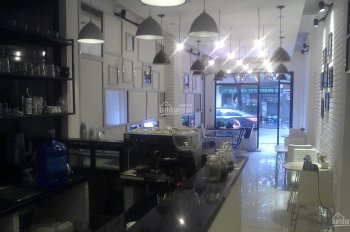 Cho thuê nhà mặt phố Khâm Thiên: DT 100m2 thông sàn x 2 tầng; MT 4.3m, nhà mới đẹp. LH 0936030855