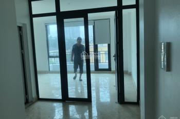 Văn phòng đẹp, giá rẻ 92m2 chỉ 15tr/th mặt đường Nguyễn Xiển, đã chia sẵn 2 phòng. LH 0967.563.166