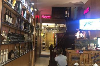 Do định cư nước ngoài cần nhượng lại nhà hàng 5 tầng tại khu vực phố cổ Phùng Hưng, quận Hoàn Kiếm