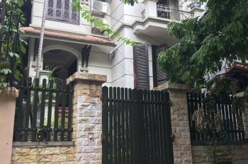 Chính chủ cho thuê biệt thự sân vườn 130m2 x 3 tầng, giá 18 tr/tháng, gần nhà thi đấu Hà Đông