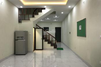 Cho thuê nhà liền kề Mỹ Đình, đường Nguyễn Cơ Thạch, 60m2, 4 tầng, giá thuê 20 tr/th, nhà mới