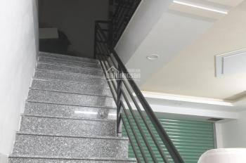 Bán nhà 1 lầu, 1 trệt rẻ 2 mặt tiền trong KDC Biconsi Dĩ An, DT: 135m2 đang kinh doanh