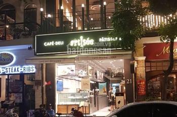 Bán gấp nhà phố Hào Nam, Đống Đa 90m2, 11 tầng, 31 tỷ, kinh doanh thuê 120tr/tháng