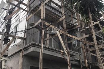 Bán 5 căn nhà 3 tầng, 50m2, thiết kế hiện đại giả villa, tuyến 2 đường Máng Nước, ô tô đỗ cửa