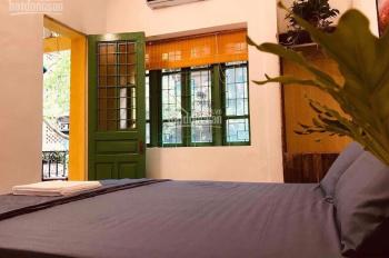 Cho thuê nhà phân lô phố Vạn Phúc, Liễu Giai 70m2, 2 tầng ô tô đỗ cửa cây cối quanh nhà mát mẻ