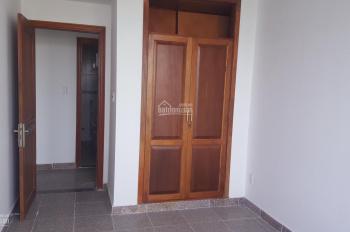 Căn hộ 3PN rộng rãi, view đẹp, trang trí gỗ