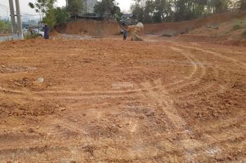 Bán mảnh đất đẹp, sổ đỏ chính chủ, kinh doanh tốt, gần ngay sân vận động Chiềng Sinh. 0348115115