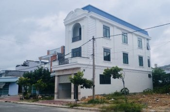 Nhà đẹp mới xây ngay thị trấn Long Hải. Liên hệ tôi chính chủ 0911 920 022