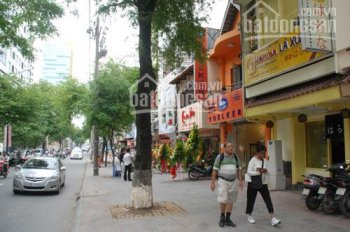 Bán nhà mặt tiền đường Thành Thái, P14, Quận 10