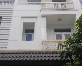 Chính chủ bán nhà phố đẹp KDC Intresco 6B, Bình Chánh, DT: 100m2, giá: 7 tỷ