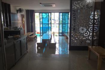 Cần cho thuê nhà phố Trần Quốc Hoàn. Diện tích 90m2 x 7T, MT 5,5m, thông sàn, có thang máy