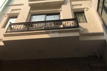 Cho thuê nhà mặt phố Đỗ Quang làm spa, thẩm mỹ, DT 70m2 * 5 tầng, mặt tiền rộng 5,5m. LH 0968120493