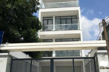 Bán nhà phố 5 tầng, giá 17,5 tỷ, đường Lê Văn Thịnh, quận 2. LH: 0902126677