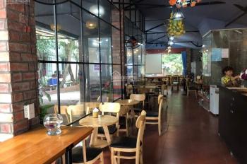 Cho thuê nhà địa điểm đẹp MP Lê Đại Hành DT 50m2, MT 7m, giá thuê: 50tr/tháng. Mr Sơn 0968392334
