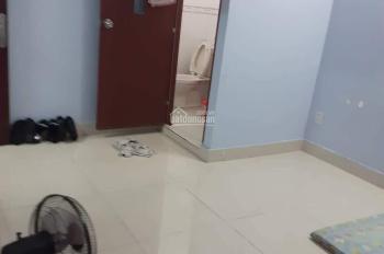 Cho thuê phòng trống đầy đủ tiện nghi máy lạnh, internet, WC riêng mặt tiền Nguyễn Văn Quá, 2,5tr
