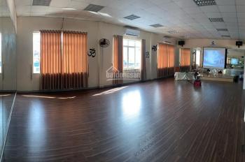 Cho thuê nhà văn phòng mặt phố Nguyễn Lân 150m2, mặt tiền 7m, thang máy, riêng biệt, giá 17 tr/th