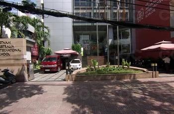 Cần cho thuê MT Trần Cao Vân, DT 24 x 14m, trệt, 4 lầu, giá thuê 290 triệu/tháng. LH: 0706.812.302