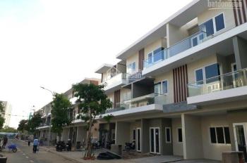 Chủ cần bán gấp nhà Rio Vista: Nhà thô 5.3 tỷ, full nội thất cao cấp, giá 6,150 tỷ. 0932789095