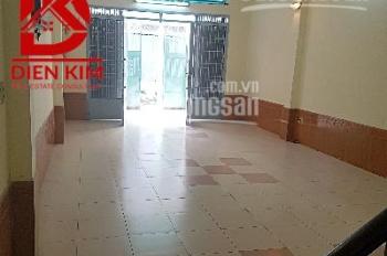 Cho thuê nhà trong hẻm Phan Văn Trị, Phường 14, Quận Bình Thạnh, DT 5x22m