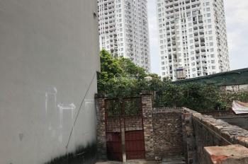 Bán đất chính chủ phường Bồ Đề diện tích 65m2, SĐCC, đối diện HC Golden City 319