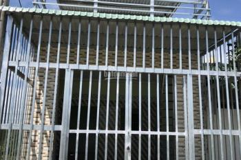 Chính chủ cần bán gấp căn nhà cấp 4 ngay khu CN Tân Đức, DT 125m2, SHR, giá: 1tỷ4, LH: 0359944578