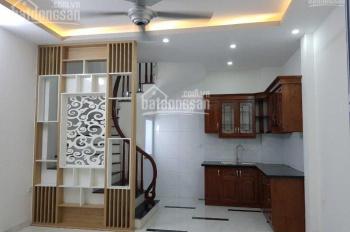 Bán nhà DT 35m2 * 5T xây mới tinh phố Thanh Lân, ngõ rộng 2,5m, thoáng, giá 2,35 tỷ, LH: 0973883322