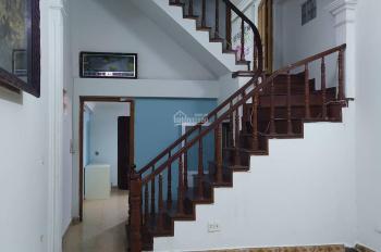 Cho thuê nhà riêng Bồ Đề, Long Biên, 70m2/sàn*5T, giá 9tr/tháng. Liên hệ: 096740810
