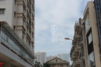 Bán nhà mặt ngõ Trần Quốc Hoàn. Diện tích 30.5m2 x 5 tầng, giá 5.2 tỷ