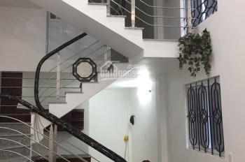 Cần bán gấp nhà 3 tầng phố Nguyễn Công Trứ, ô tô đỗ trước nhà 10m, giá 2,05 tỷ