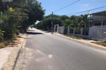 Bán đất ngay trung tâm thị trấn Cam Đức đường Ngô Tất Tố, LH 0981112464