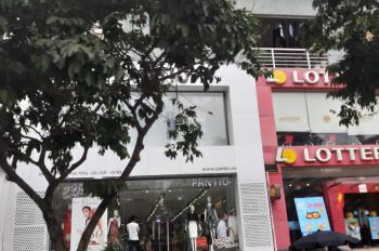 Cho thuê nhà mặt phố Vũ Phạm Hàm. Diện tích 160m2 x 4,5 tầng, mặt tiền 6m, hè rộng