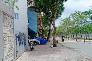 Bán đất Quận 1, mặt tiền đường Hoàng Sa, Diện tích: 82.9m2, giá bán: 27 tỷ, LH: 0906.697.386