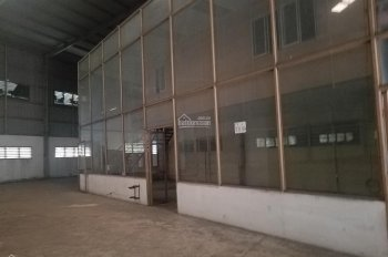 Cần cho thuê nhà kho mặt tiền QL1A nằm ngay cầu vượt Nguyễn Văn Linh, Bình Chánh, giá cực hấp dẫn