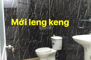 180 Nguyễn Hữu Cảnh: 5x20m. 1 trệt 1 lầu trống suốt: 30tr/th