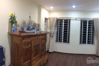 Chính chủ cần bán nhà phố Trần Quý Cáp, DT 72m2, 4 tầng, MT 5,3m, LH 0772953924